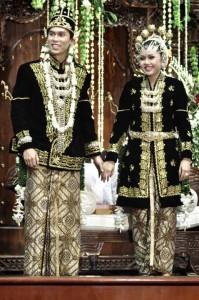 pakaian adat Jawa Tengah pakaian tradisional Jawa Tengah