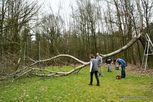 houthakkersmeewerkdag overloon 3-03-2012 (15).JPG