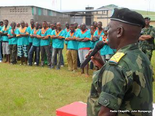 La libération des prisonniers militaires ayant bénéficié de la grâce présidentielle le 03/12/2013 à Kinshasa. Radio Okapi/Ph. John Bompengo