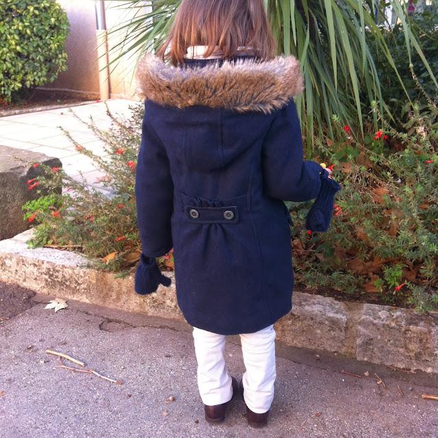 mode enfant un manteau bien chaud samedi mode les mercredis jolis blog. Black Bedroom Furniture Sets. Home Design Ideas