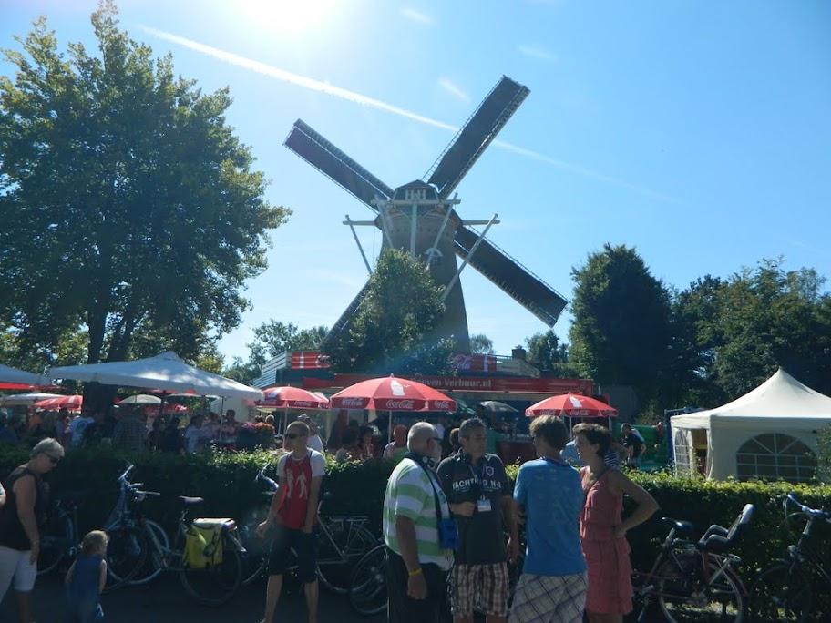 80km van de Langstraat (marche Kennedy Waalwijk)14-15/9/2013 DSCN3537