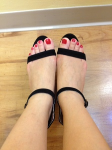 It Makes Feet Looky Since The Ankle Strap Is Thin It Does Not Cut The Or Make The Look Short These Sandals Did Not Give Me Break In Wounds