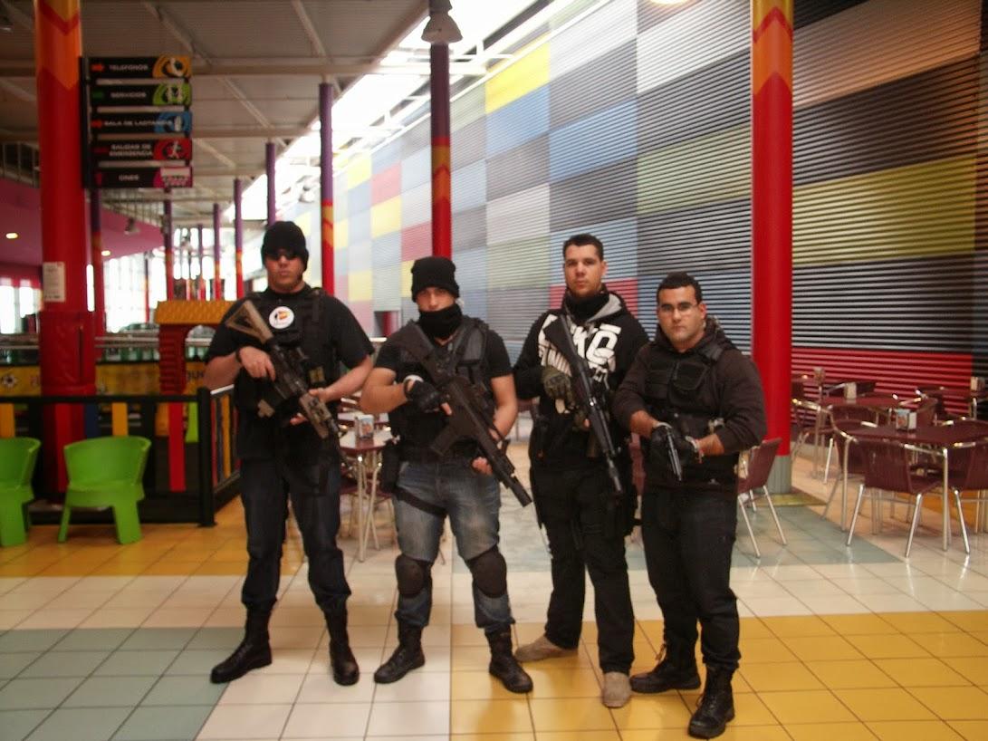 """EXHIBICION EN EL CENTRO COMERCIAL """"PUERTA DE TOLEDO"""". PICT0016"""