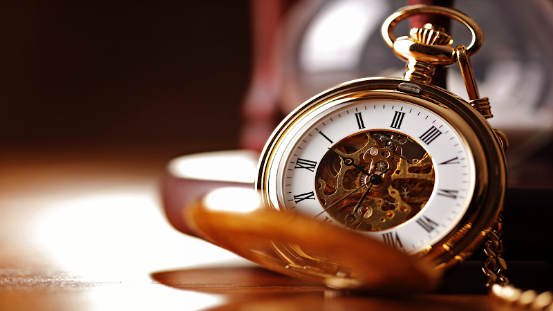 Gold Pocketwatch wallpaper