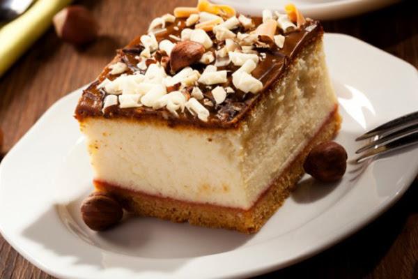 Cheesecake de Doce de Leite com Glacê de Chocolate
