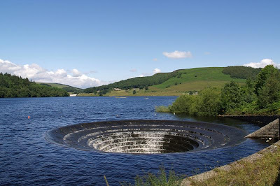 glory hole in water ladybower dam