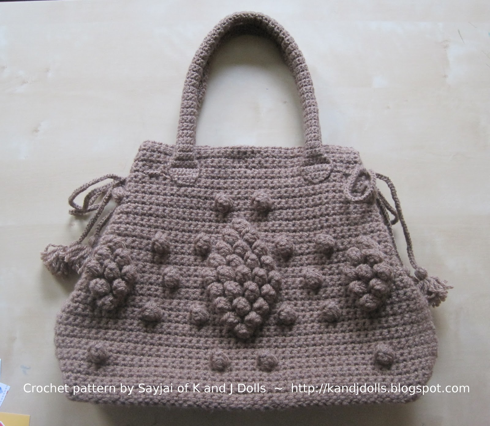 Designer Crochet Handbags : Taupe Bag crochet pattern - Sayjai Amigurumi Crochet Patterns ~ K and ...