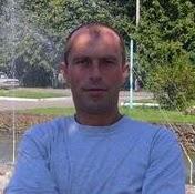 Роман Стоян