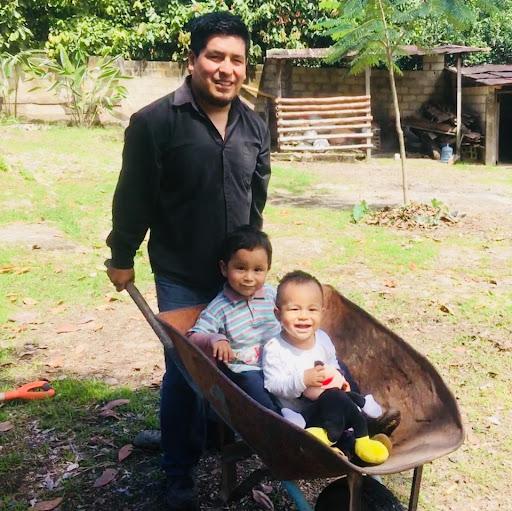 Edwin Ignacio Photo 12
