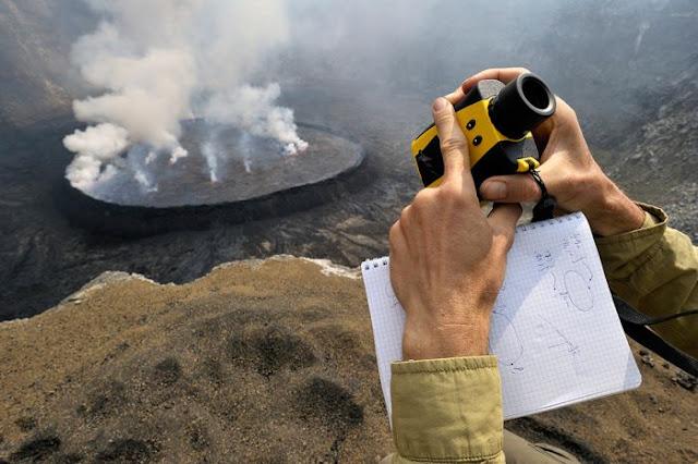 استكشافية لبركان نيراجونجو افريقيا 3.jpg