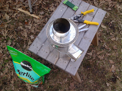 With the lid back on, I now have an insulated Pocket Rocket Stove