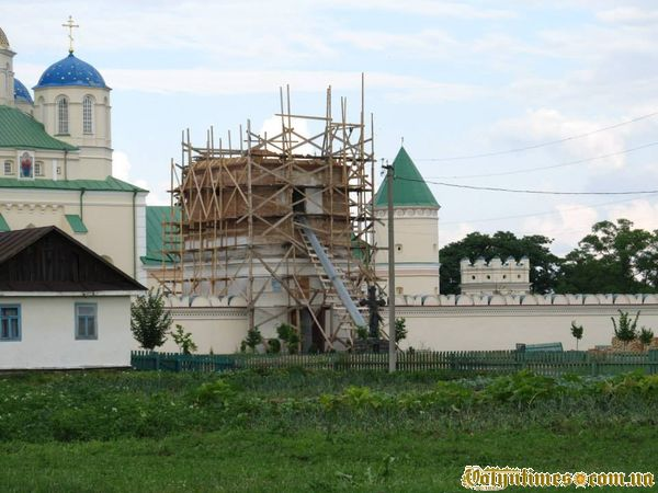 Церковної «реконструкція» Надбрамної дзвіниці. Межиріч