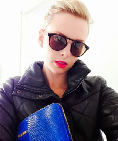 alina-k-fashion-clothing-selfie