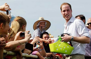 Prince William Wedding News: Prince William charms crowds