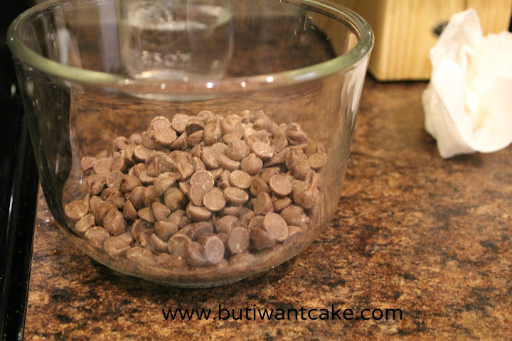 melt chocolate chips in microwave
