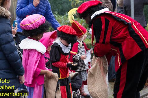 Intocht Sinterklaas overloon 16-11-2014 (13).jpg