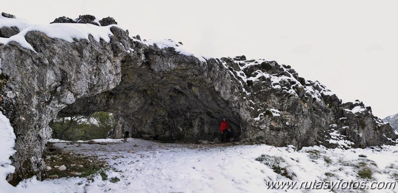 Grazalema - Cueva de las dos puertas