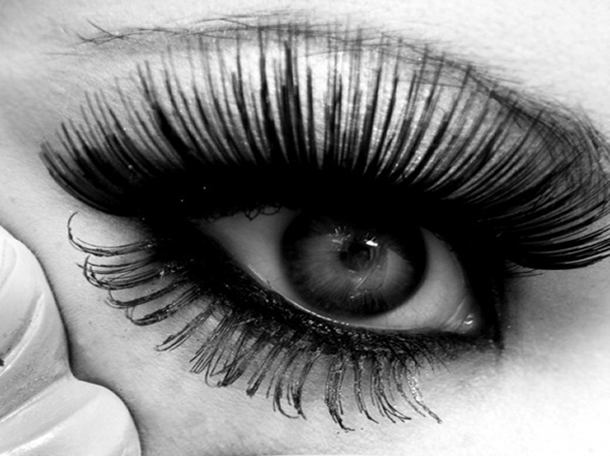 big black eyeliner eye lashes make up