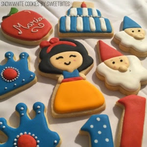 Snow White Cookies - House Cookies