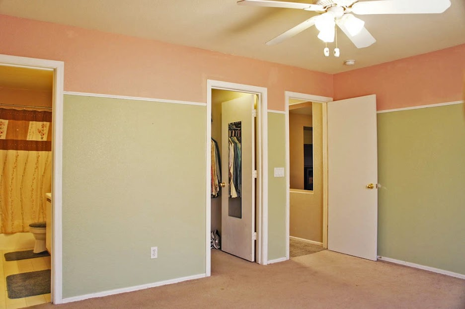 Master bedroom: Selling my home in Surprise AZ