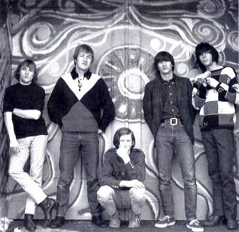 Buffalo Springfield. Слева направо: Стивен Стиллз, Дьюи Мартин, Брюс Палмер, Ричи Фьюрей, Нил Янг