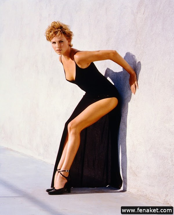 Charlize_Theron_200_HQ_Photos part 1(21)  #picasa:hot,picasa