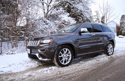 Jeep-Grand-Cherokee-best-suv-for-snow