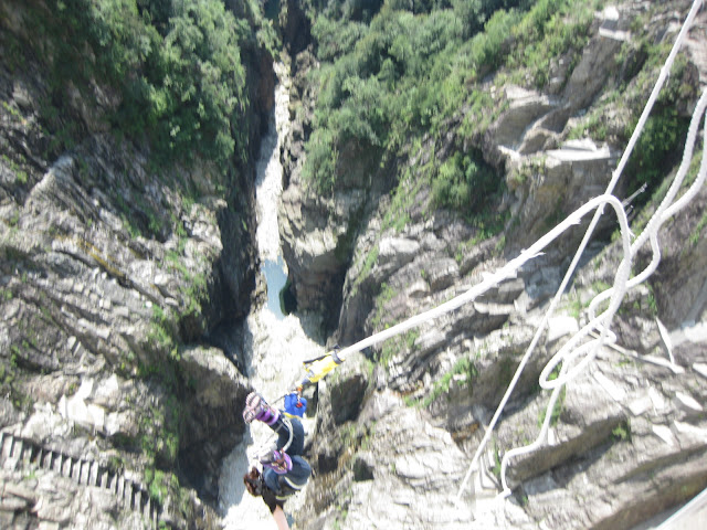 James Bond bungy, Verzasca Valley, Ticino