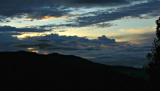 Cielo en el amanecer de la Colonia Tovar