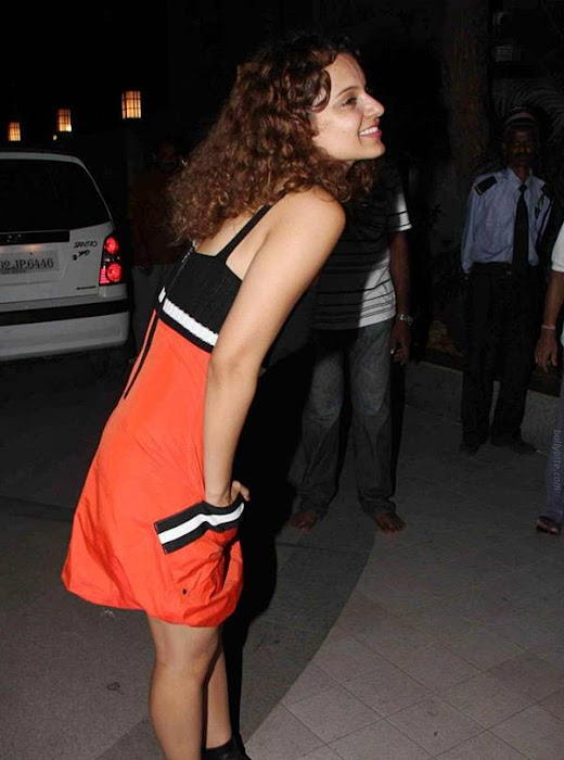 kangana ranaut birthday bash at bandra cute stills