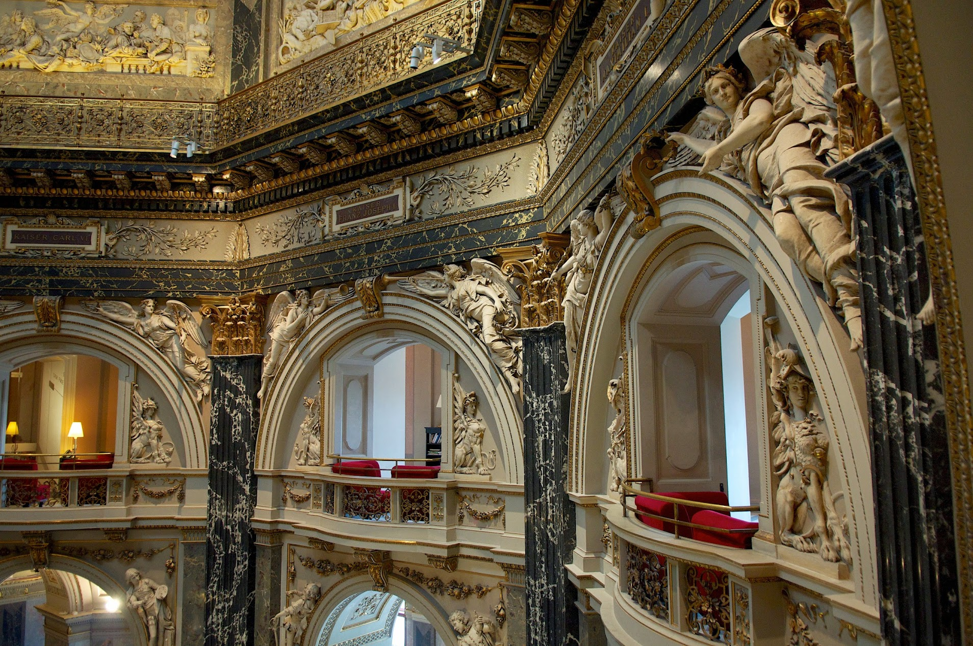 Потолки Венского музея