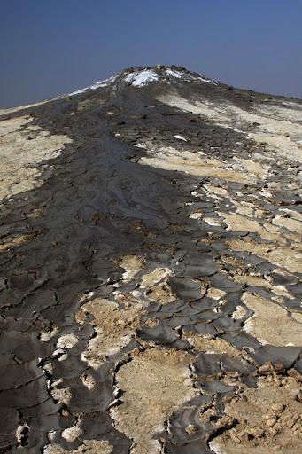 Buzau Berca fenomene geologice Romania drumetie bicicleta diapir
