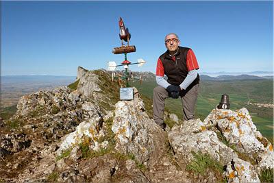 San Tirso mendiaren gailurra 1.329 m.  --  2013ko maiatzaren 26an