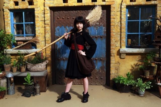 実写化映画「魔女の宅急便」のキキになった小芝風花さんのキービジュアル公開