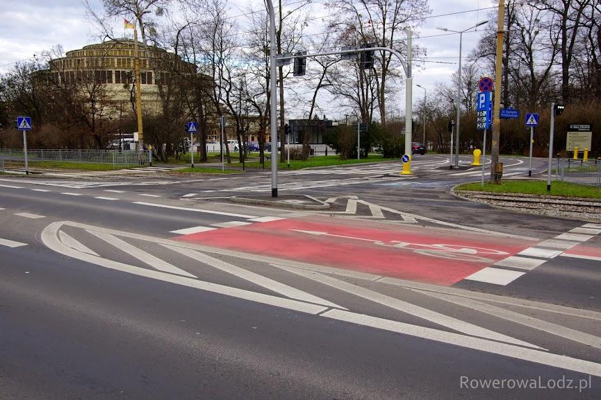 Śluza rowerowa na skrzyżowaniu.