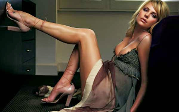 Charlize Theron, hot