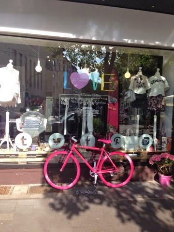 La-Parisienne-store-fahrrad