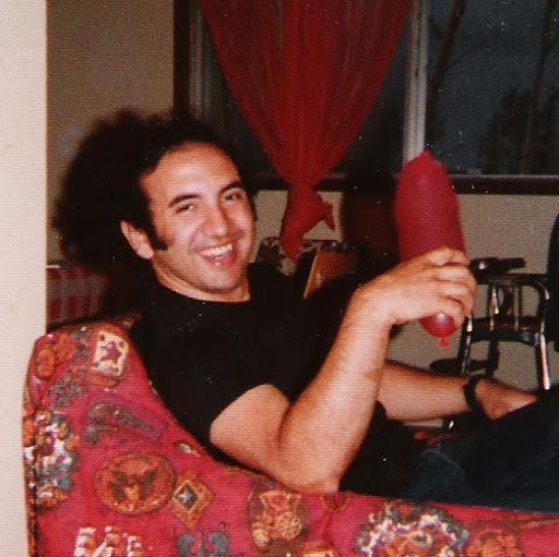 Luis Yanez Photo 30