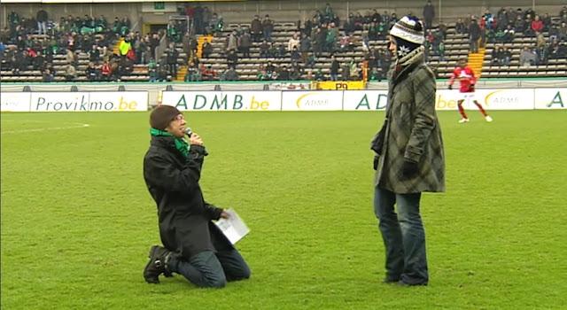 【動画】ベルギーのサッカー場で女性にプロポーズした男性が見事にフラれたのは嫌な事件だったね・・・