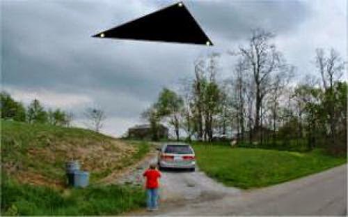 Triangle Ufo Spotted At Very Low Altitude Over North Carolina