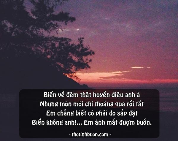 thơ ngắn 4 câu biển buồn về đêm