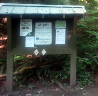 A warning message, map and information where DNR 908 meets the start of the actual Mailbox Peak trail