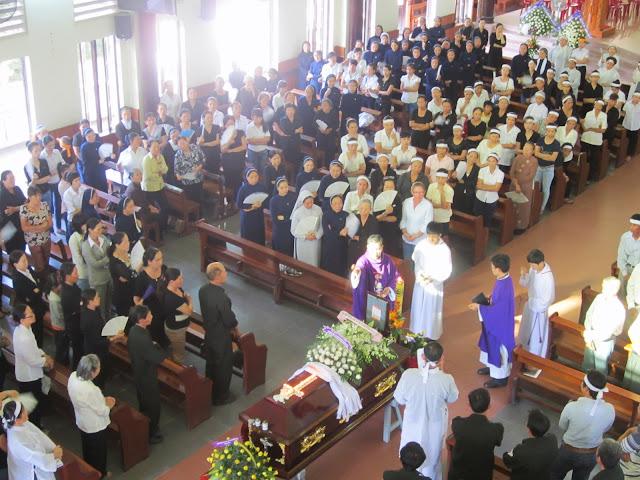Thánh lễ an táng ông G.B Nguyễn Văn Việt, thân phụ Soeur Đan Phương