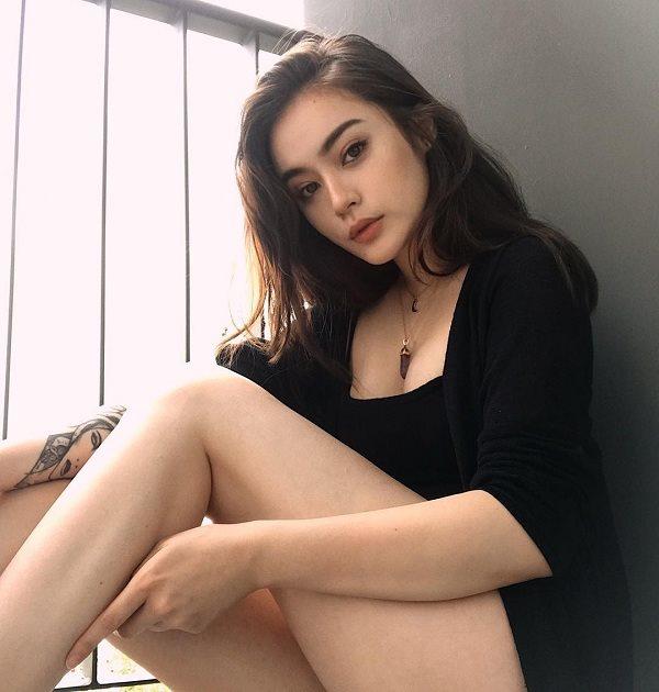Hotgirl 10X xinh đẹp mang dòng máu lai Việt - Đức là hotgirl streamer tại Thái Lan