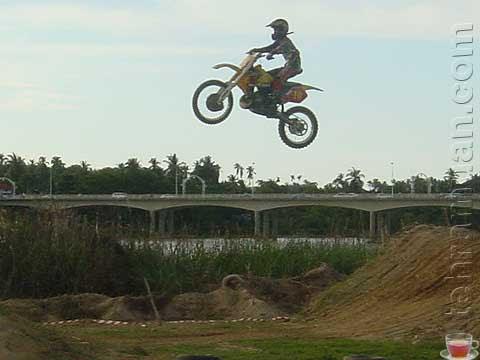 lompat terbang