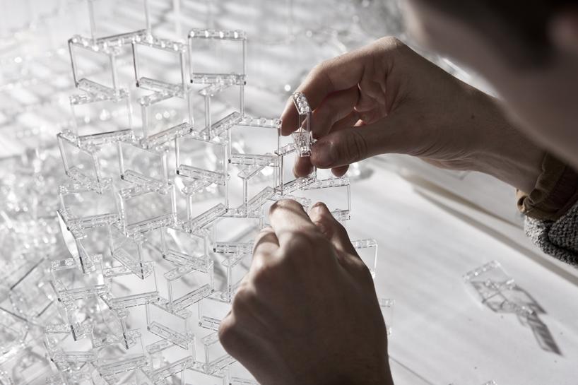 *透明的LEGO大型水晶吊燈:設計師Tobias Tøstesen親手編造! 6