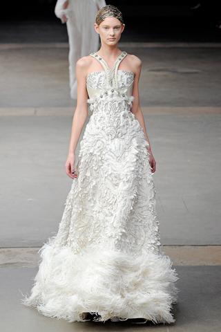 Alexander McQueen Fall 2011{Bridal wear Inspiration} | Bonita Bride