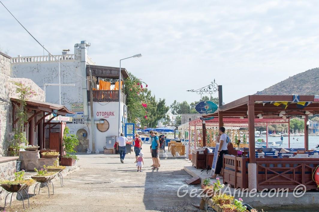 Bodrum Akyarlar sahilindeki restoranlar