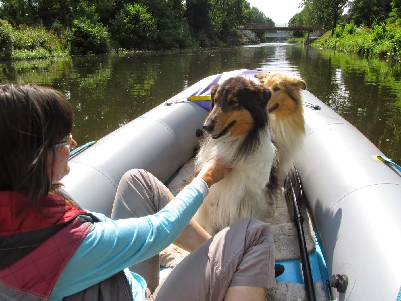 Abbie und Audrey Bootsfahrt