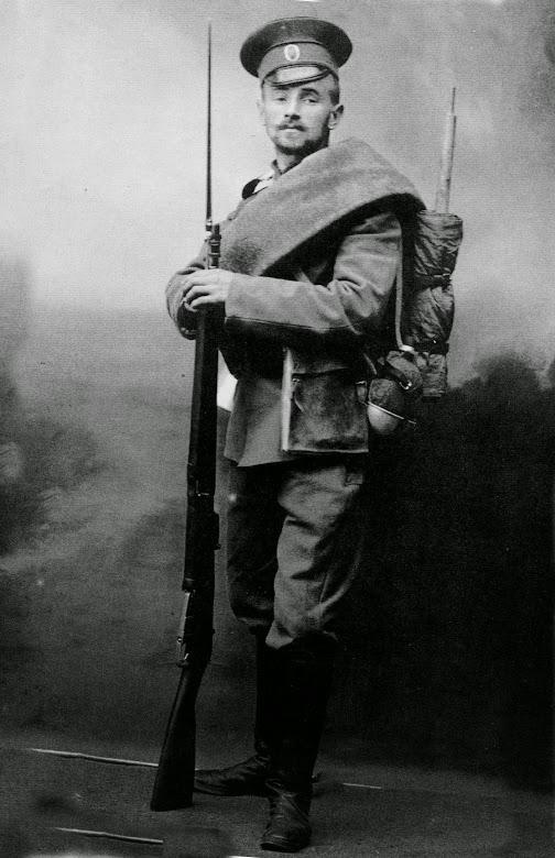 Унтер с винтовкой Мосина